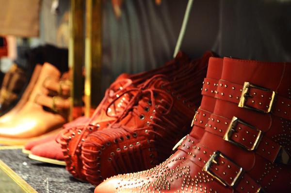 botas tachas botines acordonados.